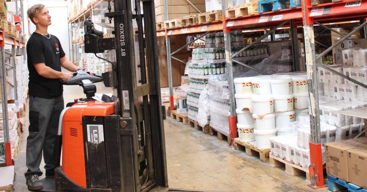 Lager- og logistikelev